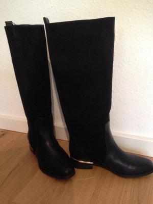schwarze elegante Stiefel/Reiterstiefel