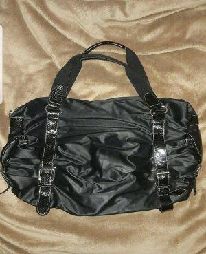 schwarze feine Tasche