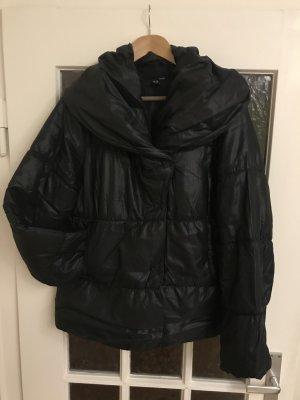 Schwarze flauschige Damen Jacke Gr: 44 - 46