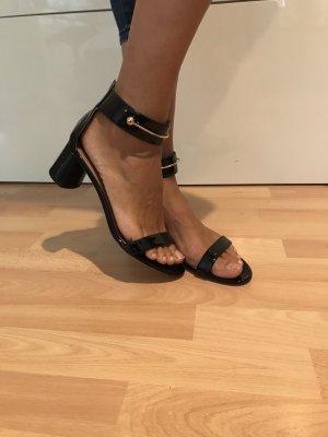 Schwarze Glanz Sandale
