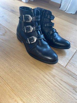 Schwarze glatt Leder Stiefel mit Schnallen