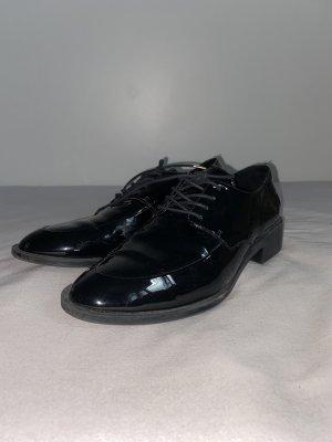 Zara Zapatos Oxford con puntera negro