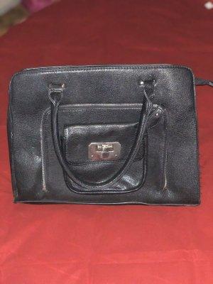 Schwarze Handtasche