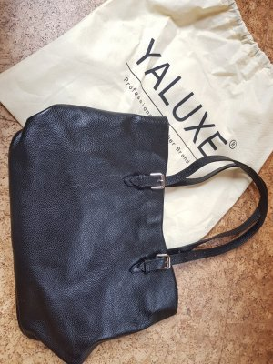 schwarze Handtasche aus echtem Leder