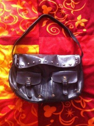 schwarze Handtasche aus hochwertigem argentinischem Leder