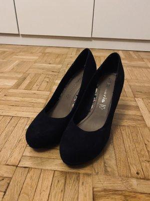 Schwarze Heels