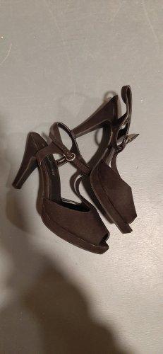Via della Rosa Zapatos de tacón con barra en T negro