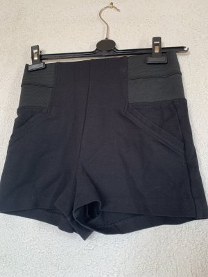 Schwarze high waist Guess hot pants
