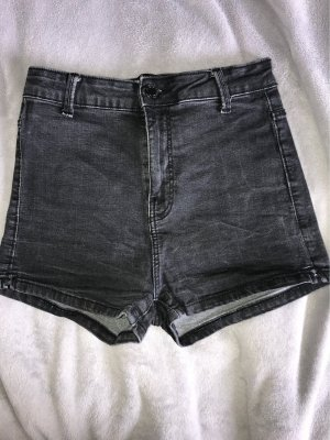 Schwarze High Waist Shorts