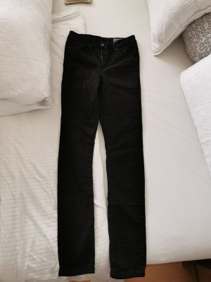 Schwarze Hose