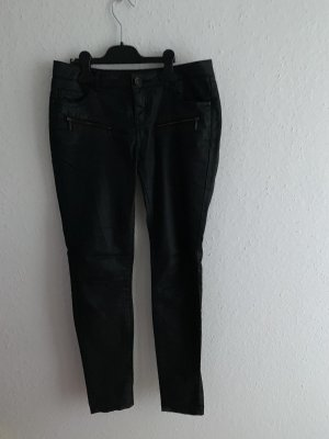 Review Low-Rise Trousers black