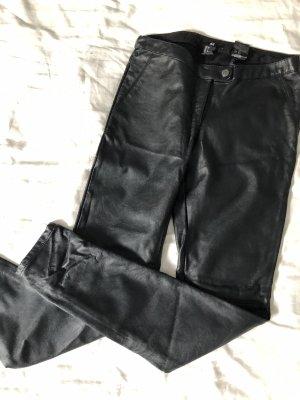 Schwarze Hose Lederoptik