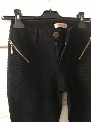 Schwarze Hose mit goldenen Details