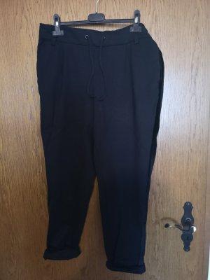 Schwarze Hose mit Streifen