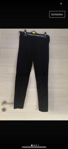 Schwarze Hose ohne Taschen
