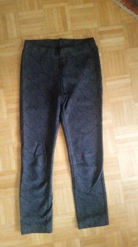 Stretch broek zwart-wit