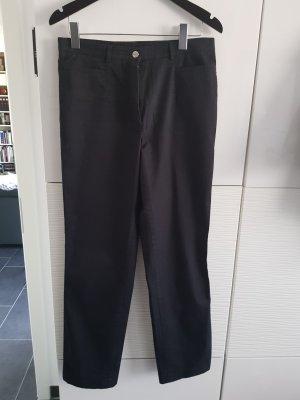 schwarze Hose von Peter Hahn.