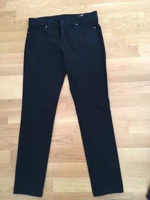 Schwarze Hose von seduktive in Größe 40 mit seitlichem rauhleder Einsatz. Nur 1x getragen, wie neu! Neupreis 250 Euro