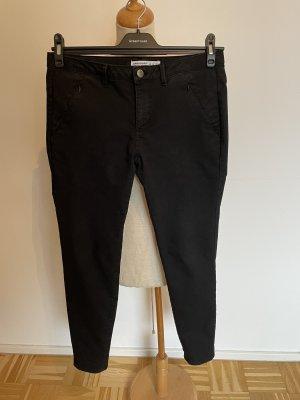 Schwarze Hose von Zara, Gr. 40 (fällt wie 36/38 aus)