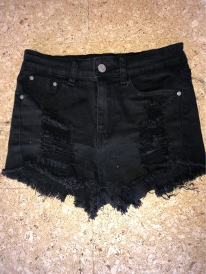 Schwarze Hot pants
