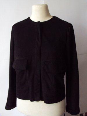 Schwarze Jacke in Leder-Optik