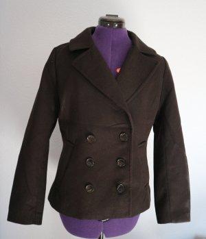 Schwarze Jacke mit Etikett :)