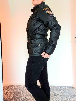 Schwarze Jacke von Khujo im Biker Style