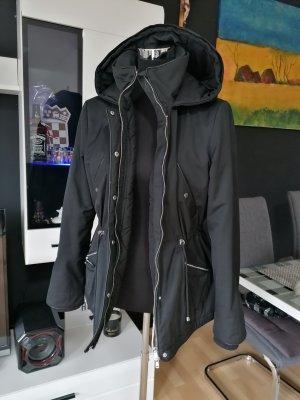 Schwarze Jacke von Zara, Parka, Größe 38