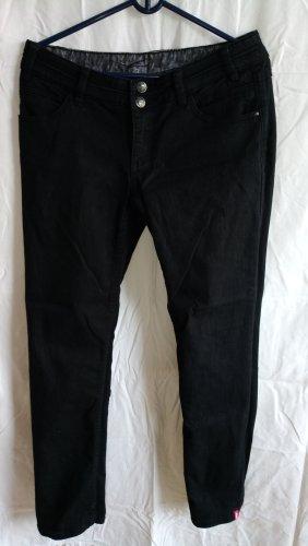 Schwarze Jeans in Kurzgröße