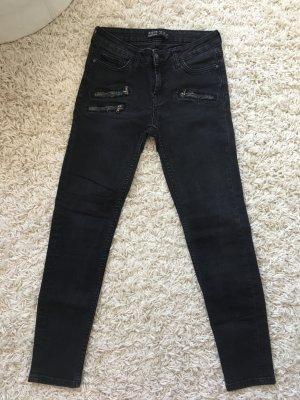 Schwarze Jeans mit Reißverschlüssen