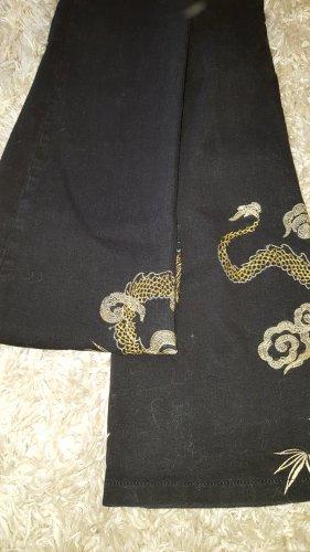 Schwarze jeans mit stickerein gr.36