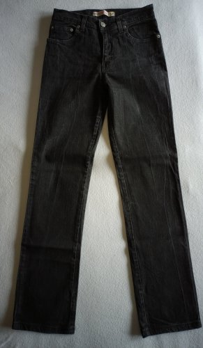 Schwarze Jeans neu