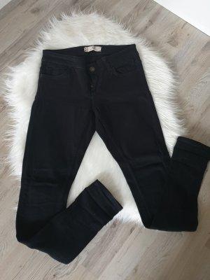 Zara Basic Vaquero pitillo negro