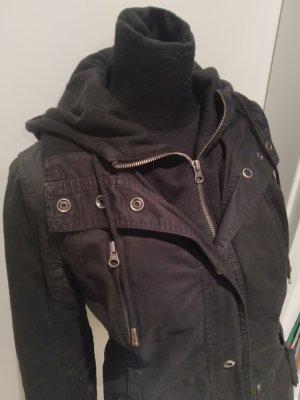schwarze Kapuzen-Jacke von Orsay in Größe 36/38