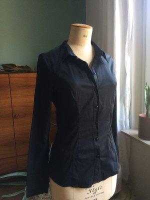 Schwarze klassische Bluse mit Glanz Finish, Figur betont, Gr. M-letzte Reduzierung