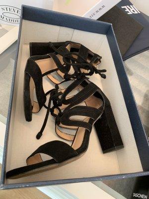 Schwarze klassische Sandaletten op:150€