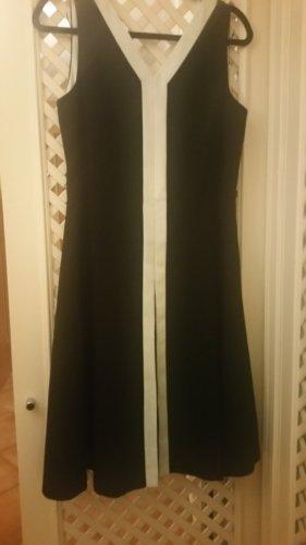Schwarze  Kleid  von Marc New York