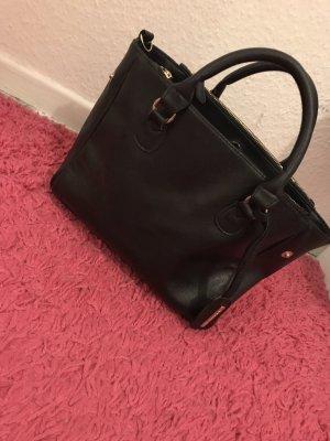Schwarze kleine tasche