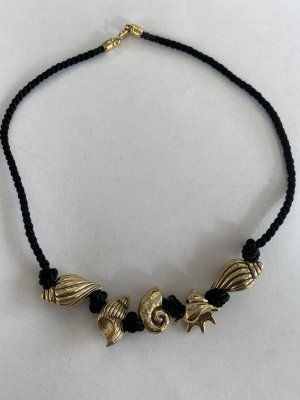Shell Necklace black-gold-colored