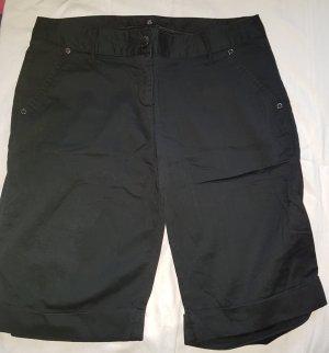 schwarze kurze Hose
