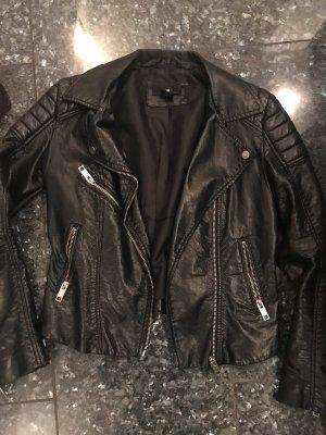 h&m schwarze kurze jacke
