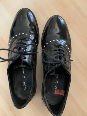 Cox Wingtip Shoes black