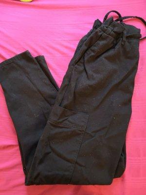 Bershka Luźne spodnie czarny Bawełna