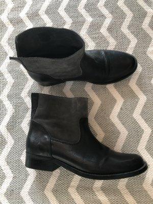 Schwarze Leder Boots von Apple of Eden