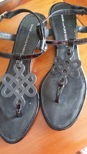 Diane von Furstenberg Toe-Post sandals black