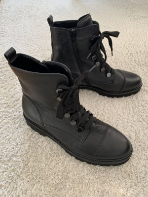Gabor Lace-up Booties black