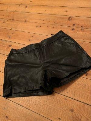 schwarze Leder-Shorts von Only