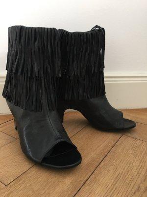 Schwarze Leder-Stiefeletten mit Fransen von VIC