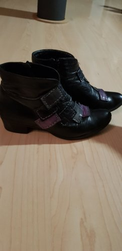 Schwarze Leder-Stiefelletten