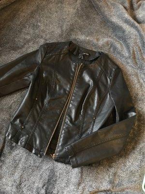 schwarze Lederjacke Größe S